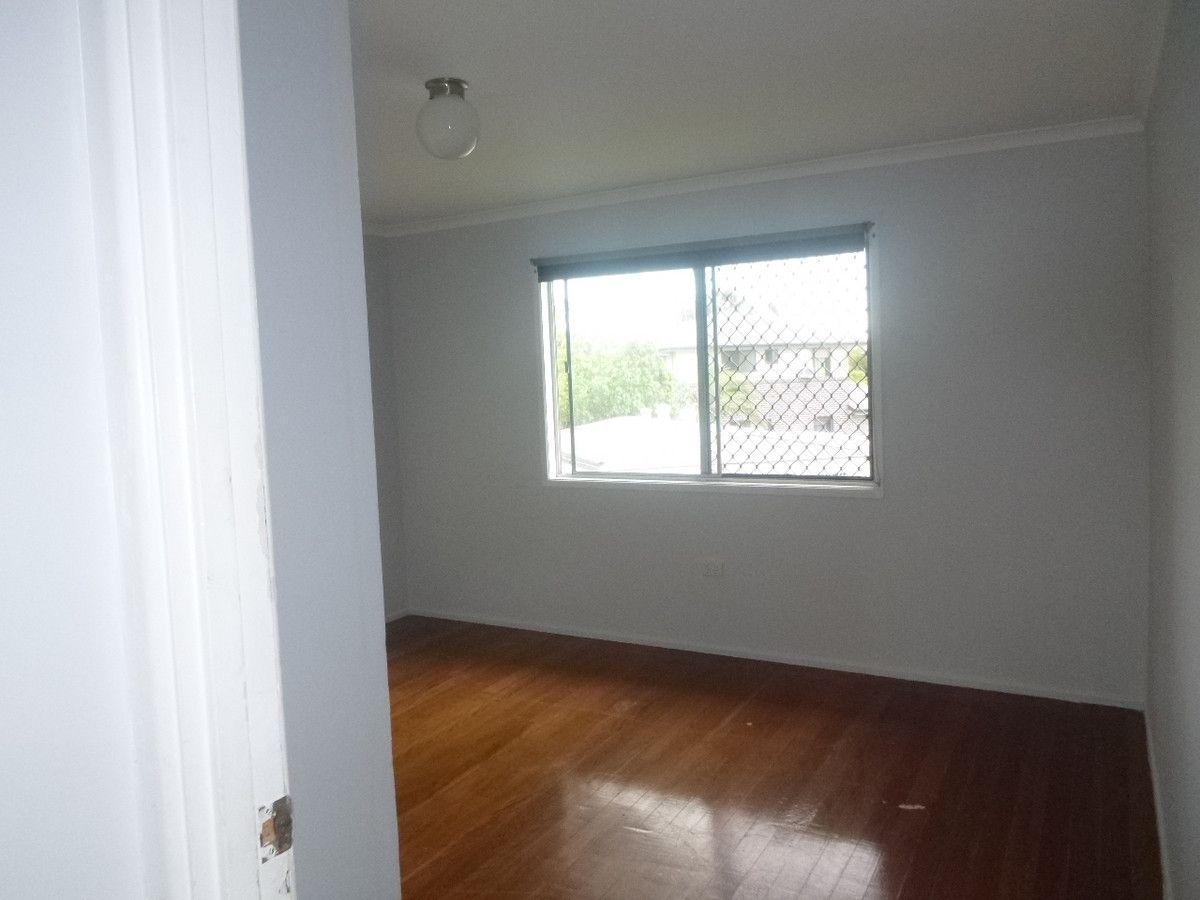 5 Franke Court, Kingston QLD 4114, Image 2