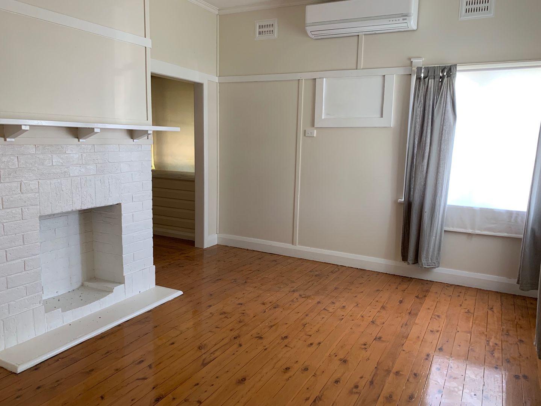 15 Oak Street, Moree NSW 2400, Image 0