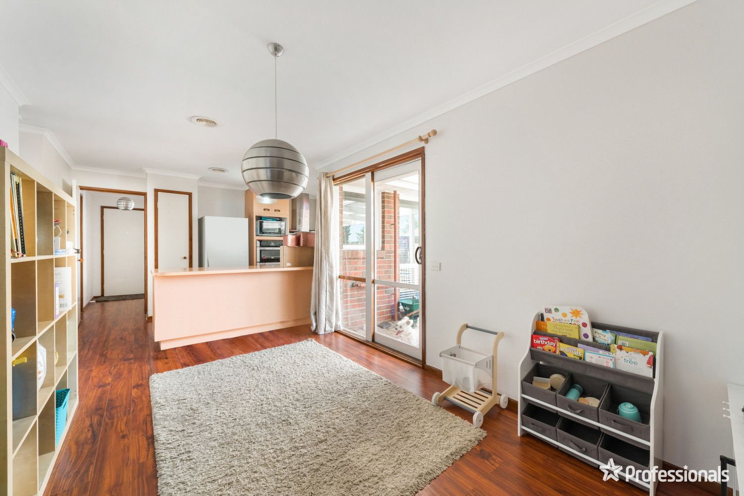 2 Temby Close, Endeavour Hills VIC 3802, Image 2