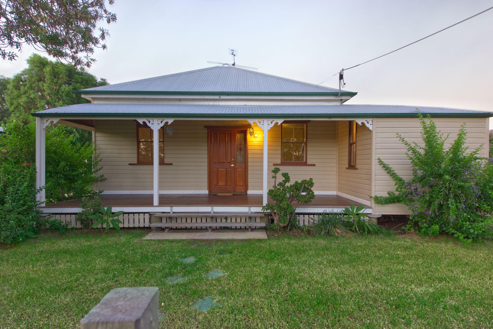 142 Kent Street, Oakey QLD 4401, Image 0