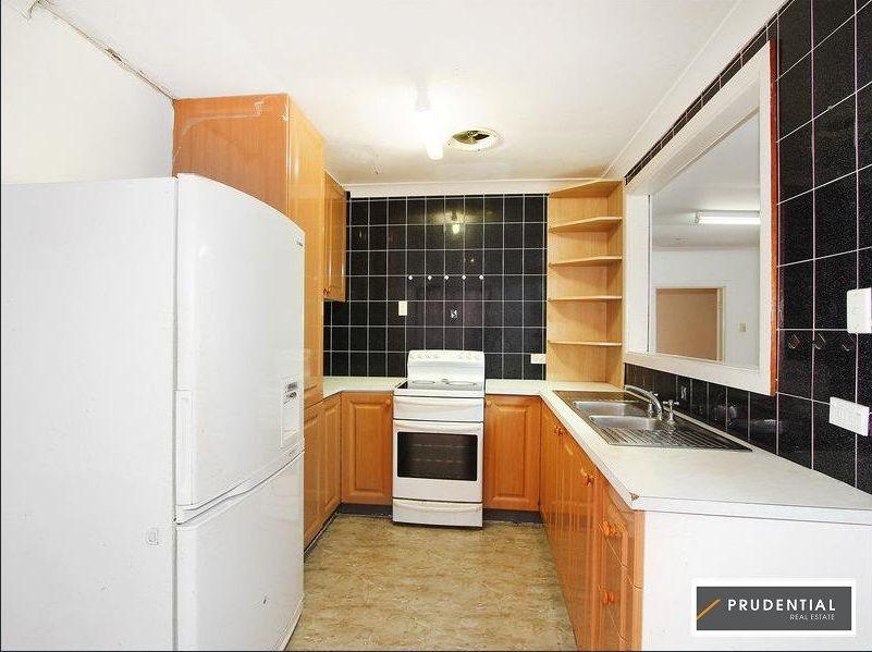 33 Lyndley Street, Busby NSW 2168, Image 1