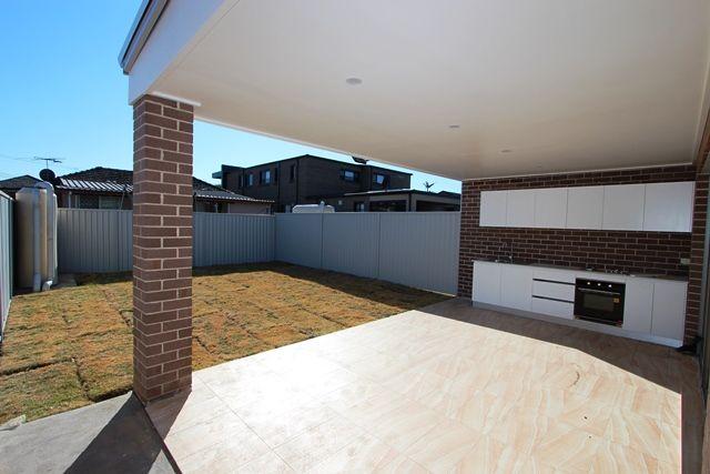 53 Margaret Street, Fairfield West NSW 2165, Image 2