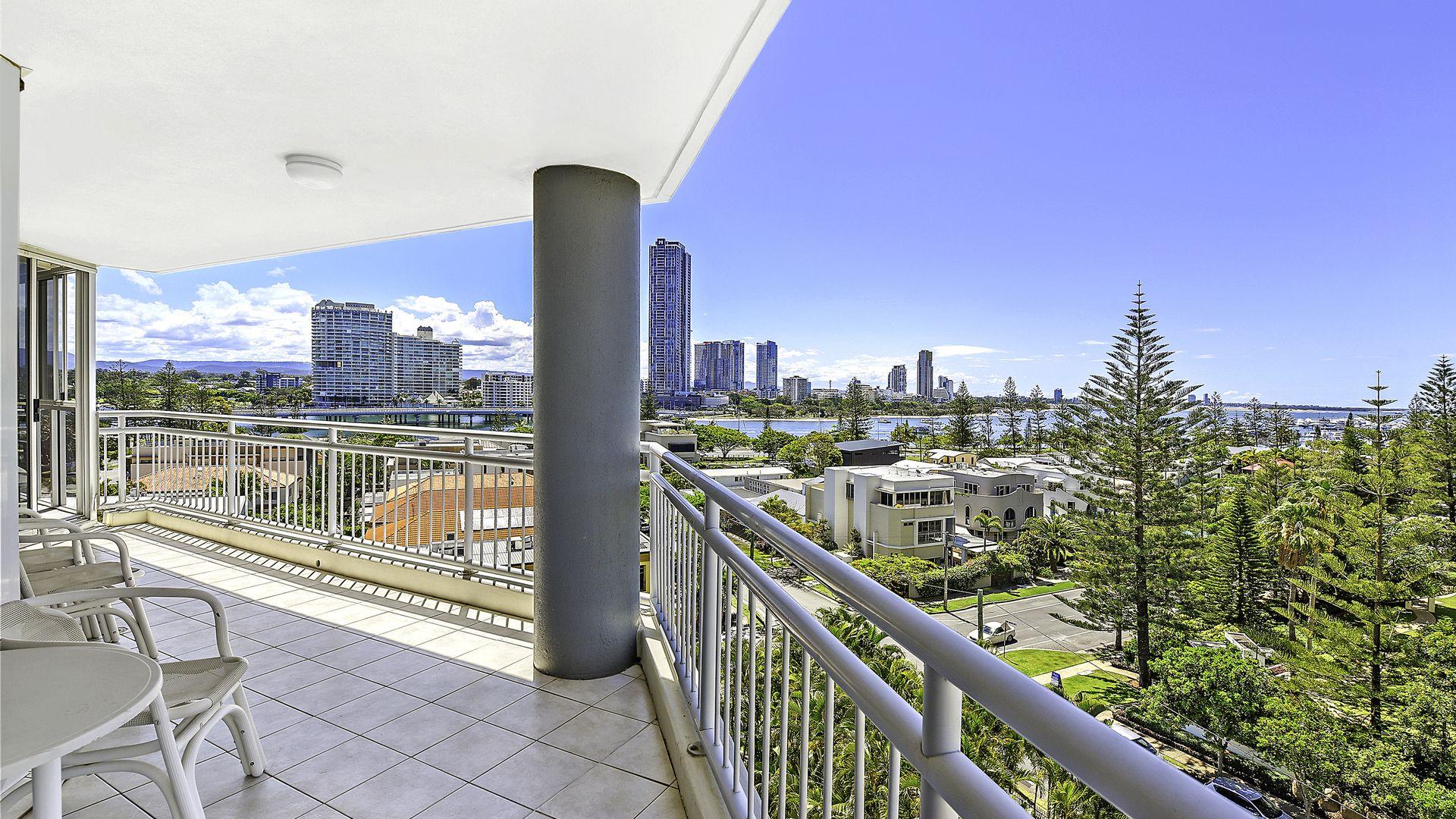 30/11 Hughes Avenue, Main Beach QLD 4217, Image 1