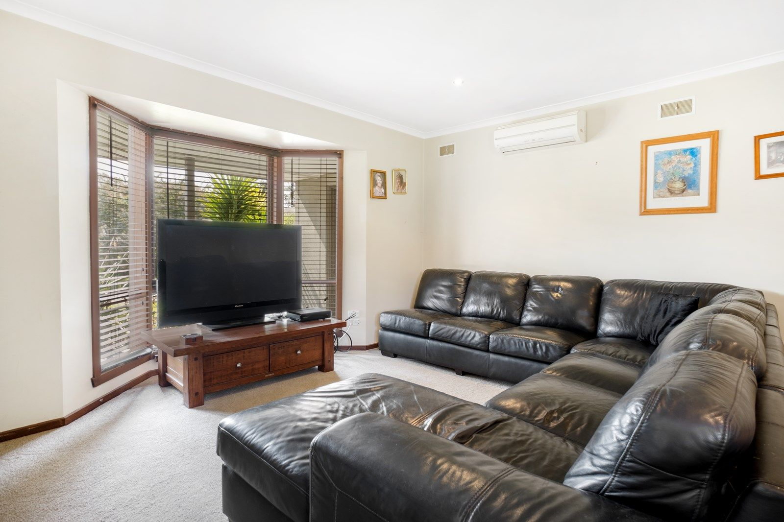 10 Leila  Court, Bacchus Marsh VIC 3340, Image 2