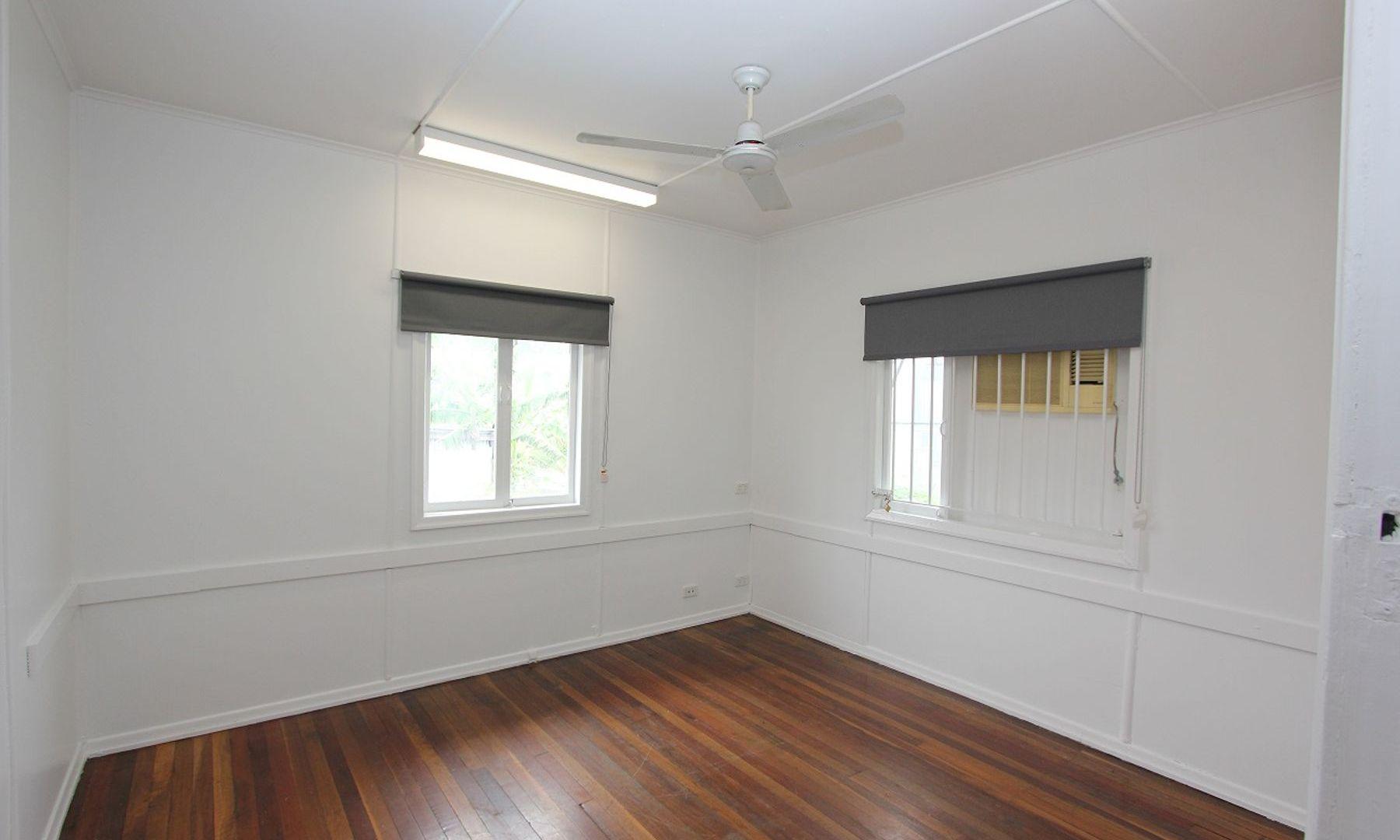 33 Bellwood Street, Darra QLD 4076, Image 2