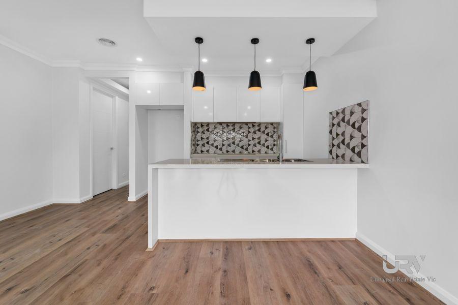43 Bowenia Avenue, Craigieburn VIC 3064, Image 2