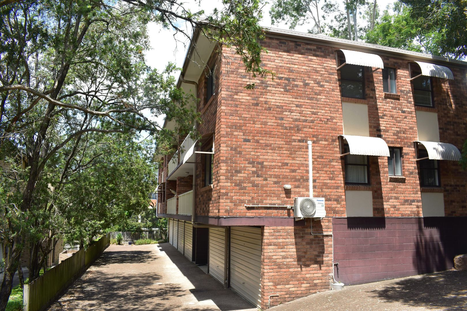 2/124 Whitmore Street, Taringa QLD 4068, Image 0