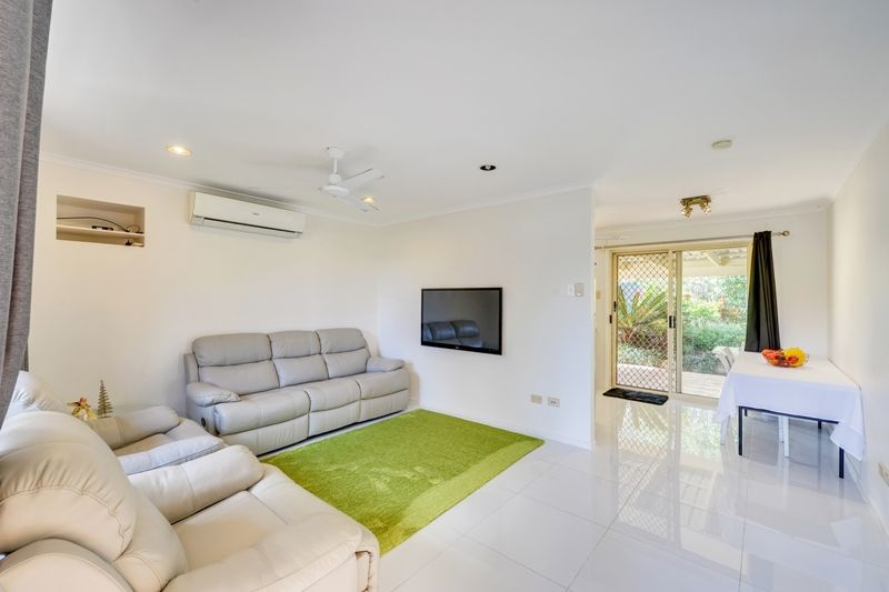 12 Sundowner Street, Regents Park QLD 4118, Image 2
