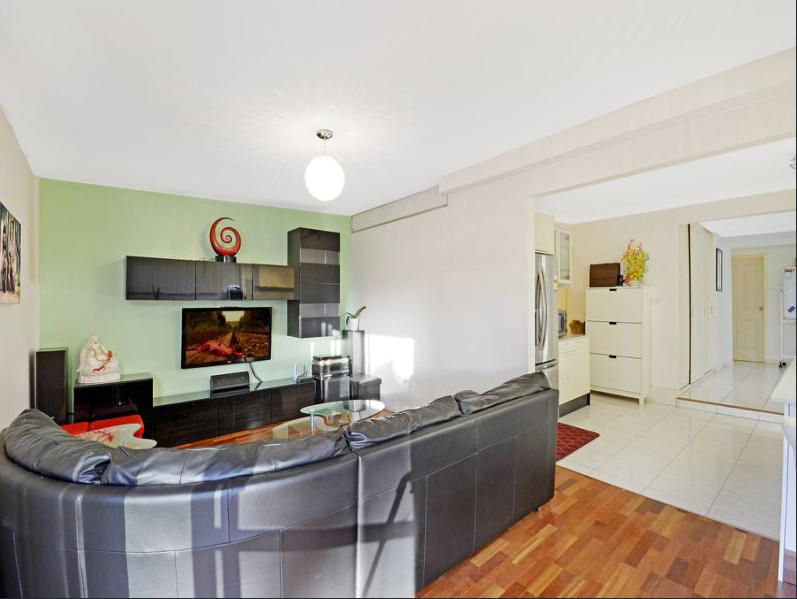 21 Medley Avenue, Liverpool NSW 2170, Image 2