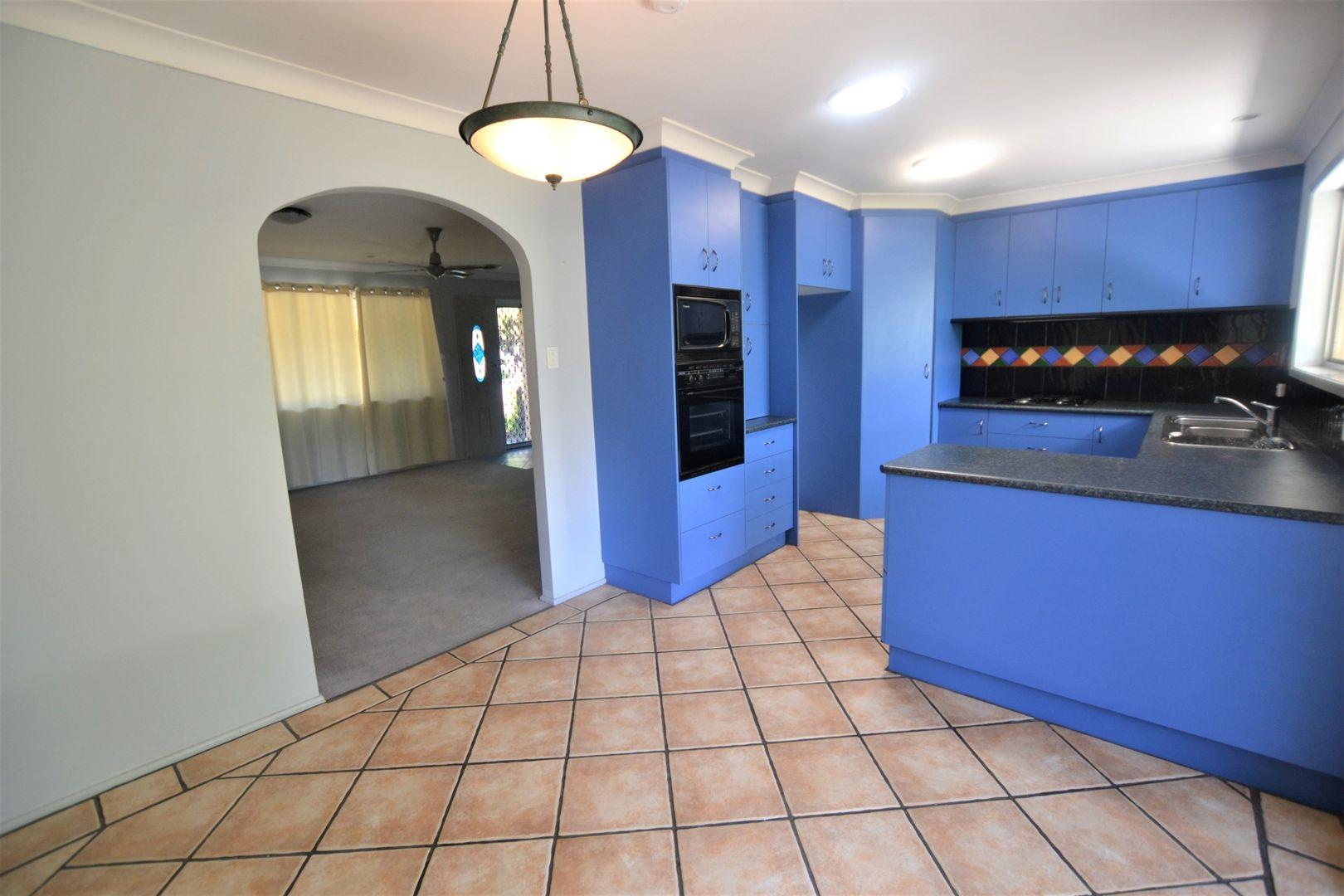 22 Whitfield Avenue, Springwood QLD 4127, Image 2