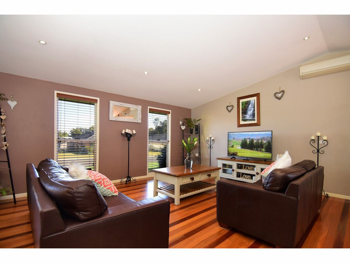 36 Nadine Street, Sanctuary Point NSW 2540, Image 2