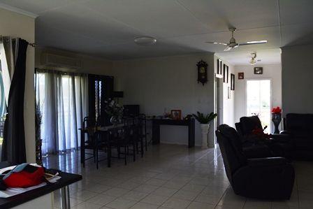 57 Arthur Street, Tambo QLD 4478, Image 2