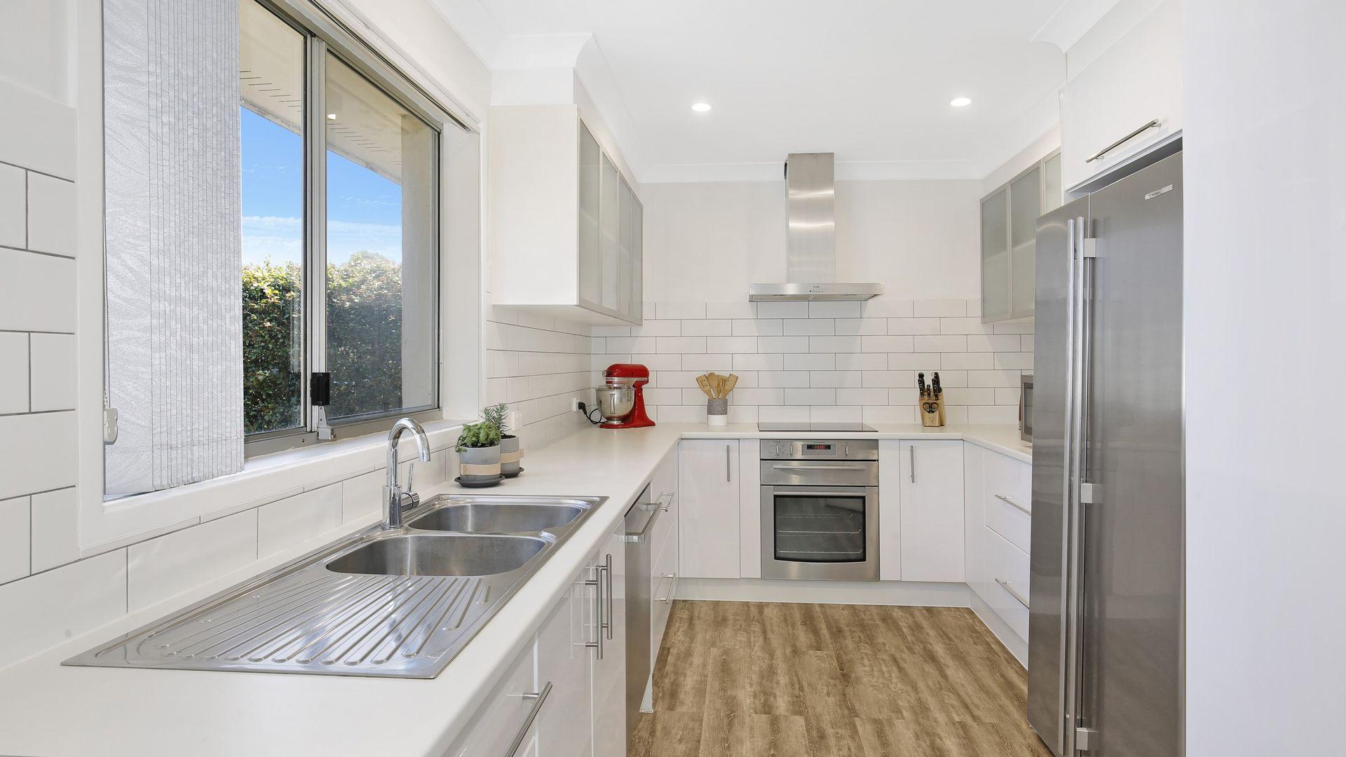 33 Coachwood Drive, Unanderra NSW 2526, Image 2