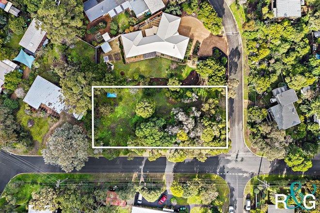 Picture of 10 South  Crescent, SOMERS VIC 3927