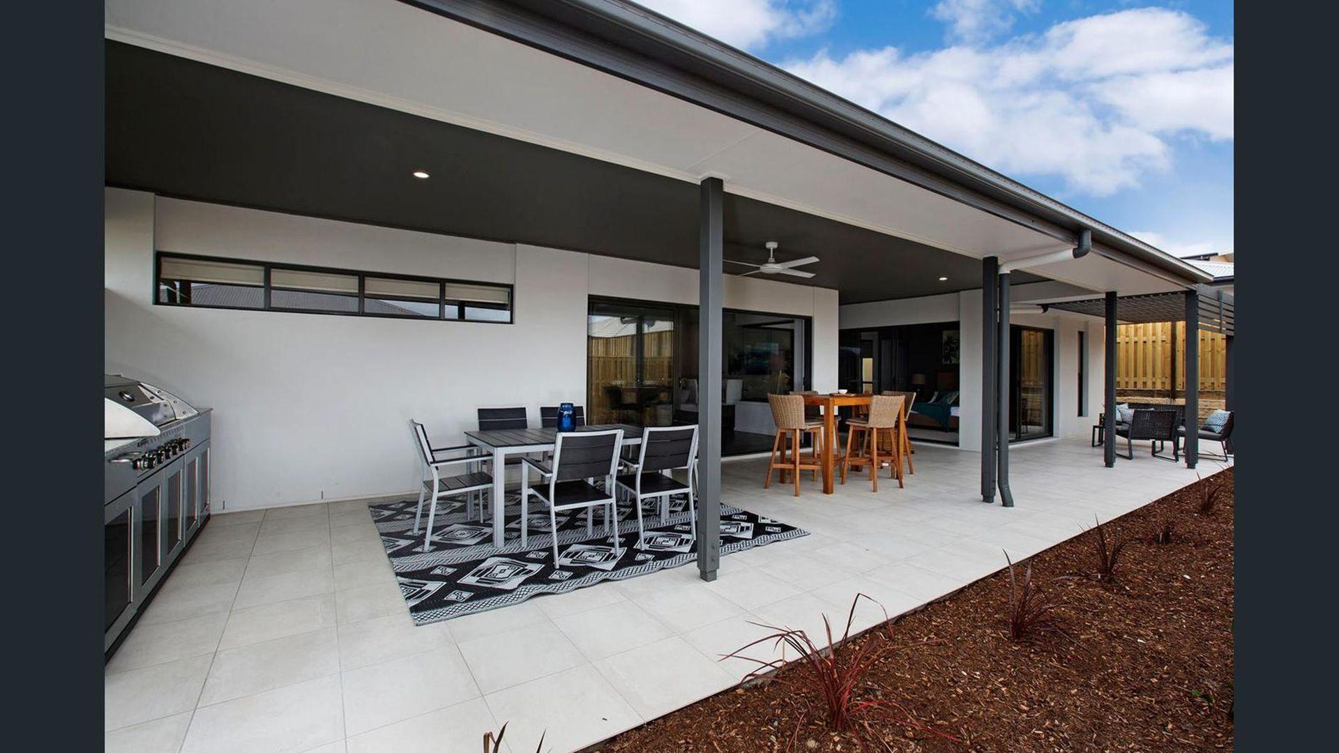 22 Sudbury Drive, Pimpama QLD 4209, Image 2