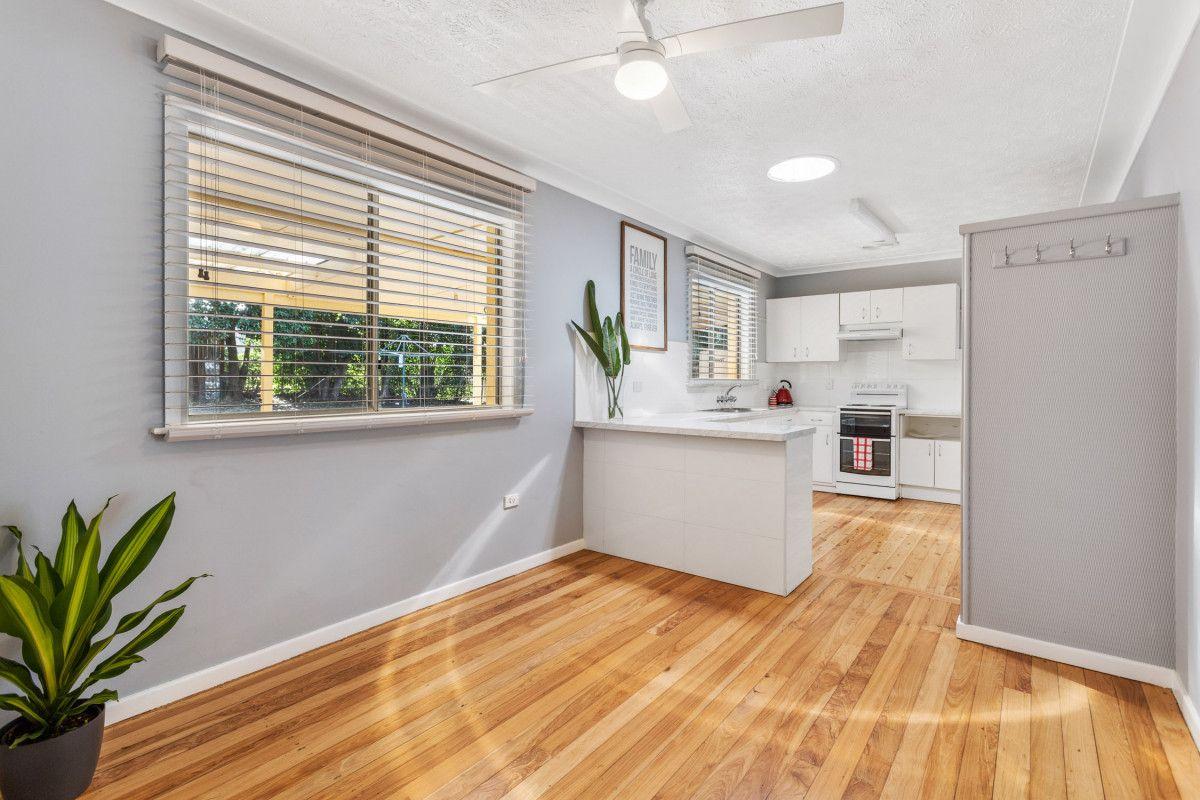 237 West Street, Harristown QLD 4350, Image 2