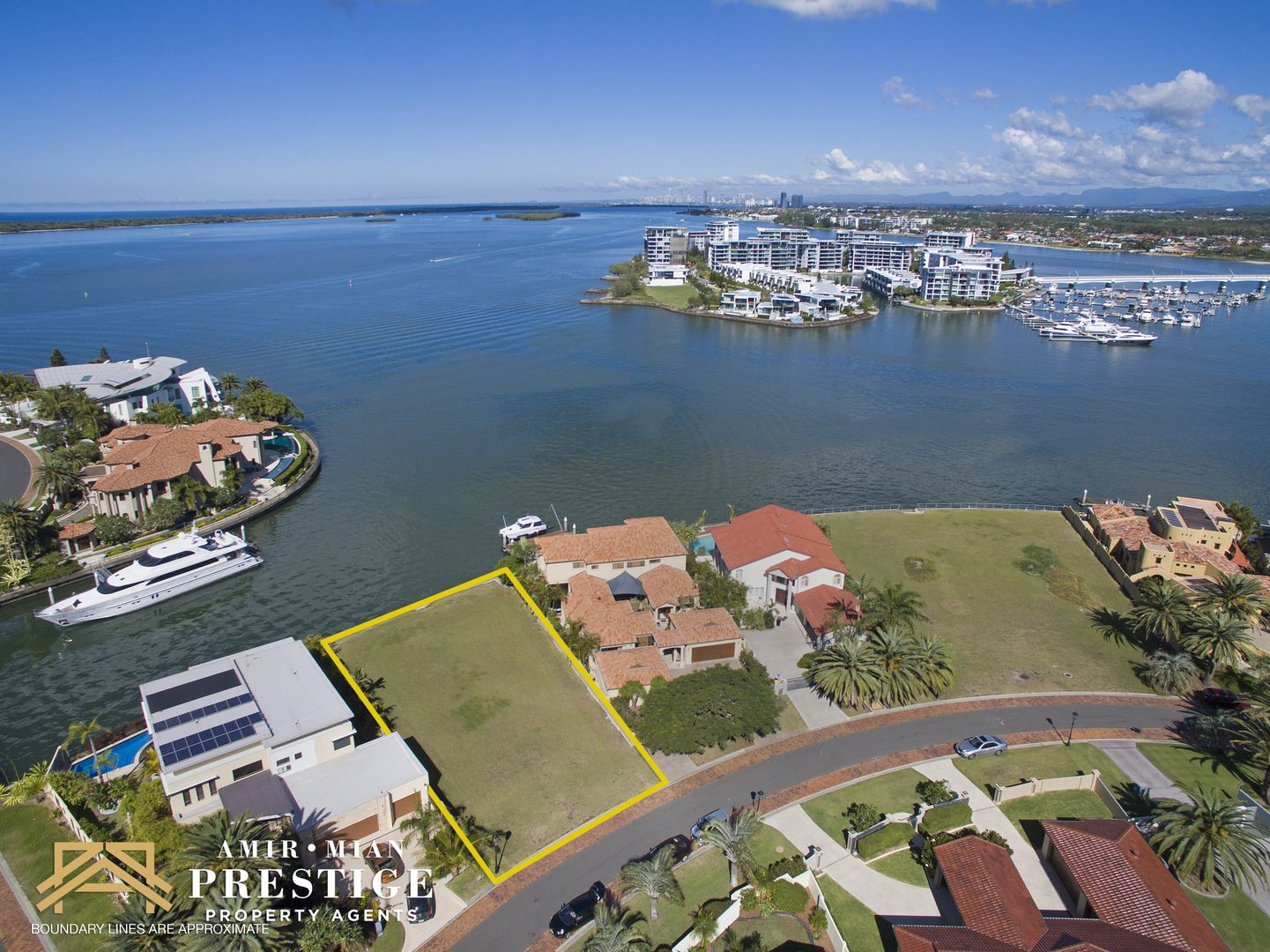 24 Brittanic Crescent, Sovereign Islands QLD 4216, Image 1