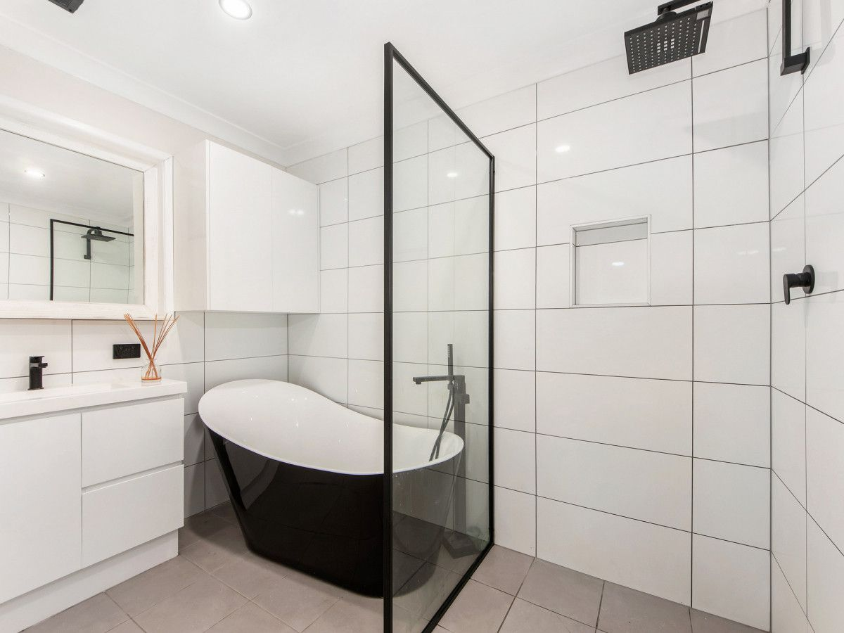 27 Greenway Street, Churchill QLD 4305, Image 2