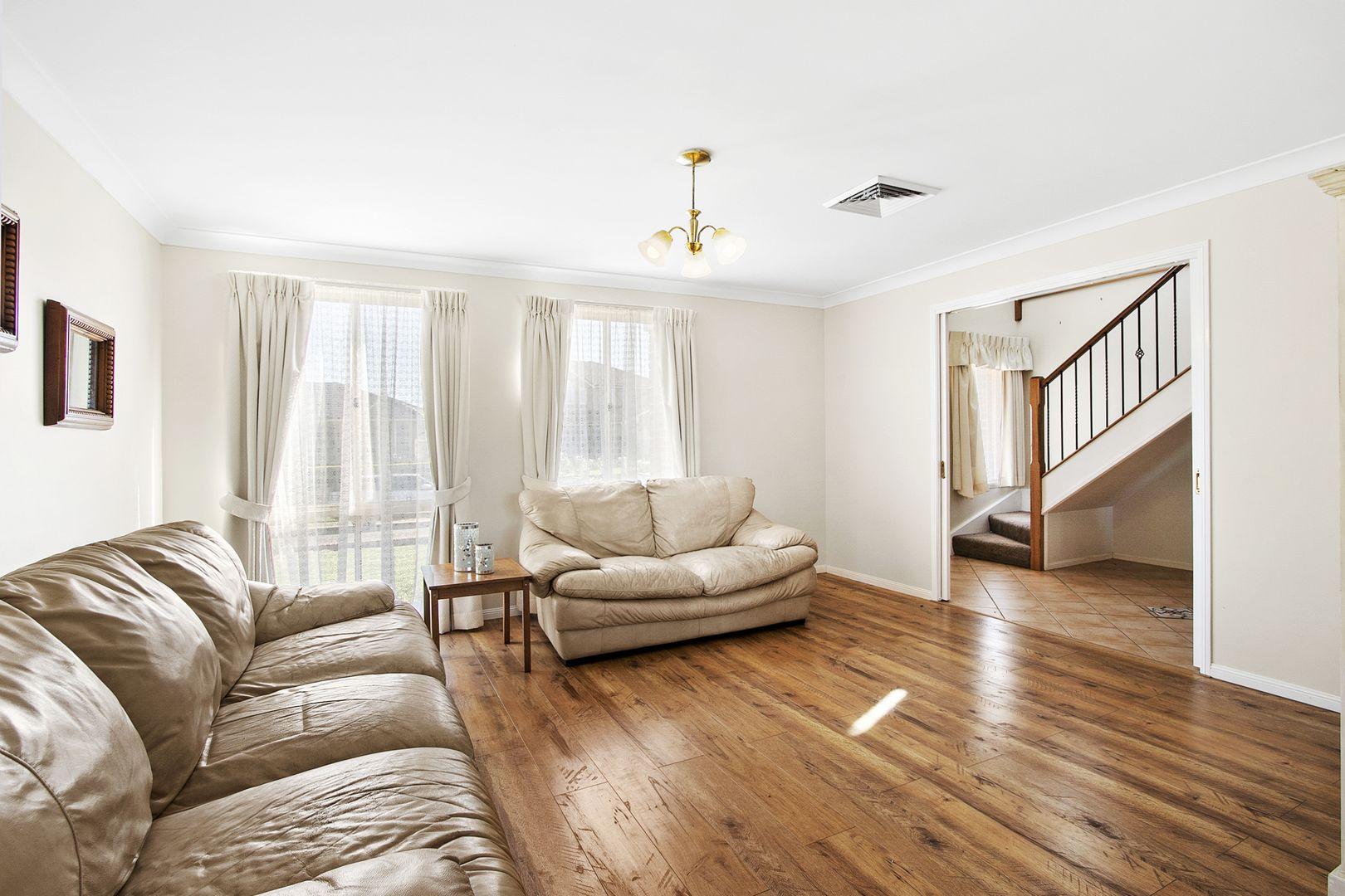37 Ivy Avenue, Mcgraths Hill NSW 2756, Image 2
