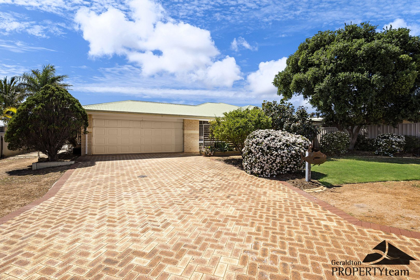 2 Shoalhaven Way, Drummond Cove WA 6532, Image 2