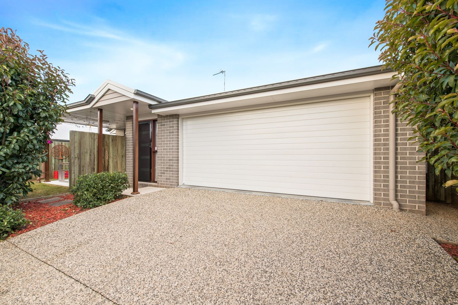 2/418 Hume St, Centenary Heights QLD 4350, Image 0