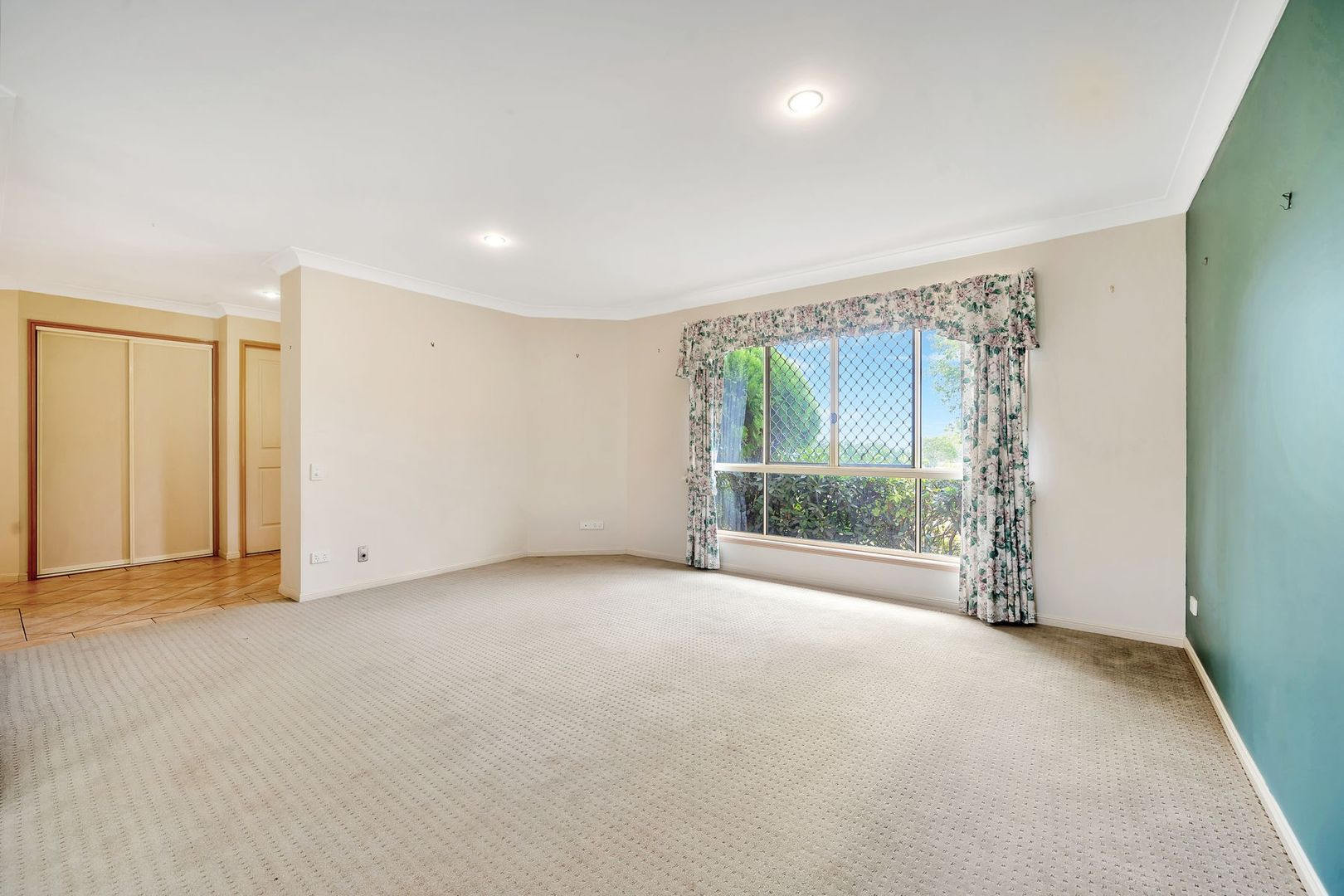 1 Mirage Court, Wilsonton QLD 4350, Image 2