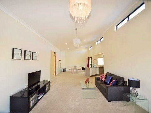 9 Claret Ash Drive, Guyra NSW 2365, Image 1