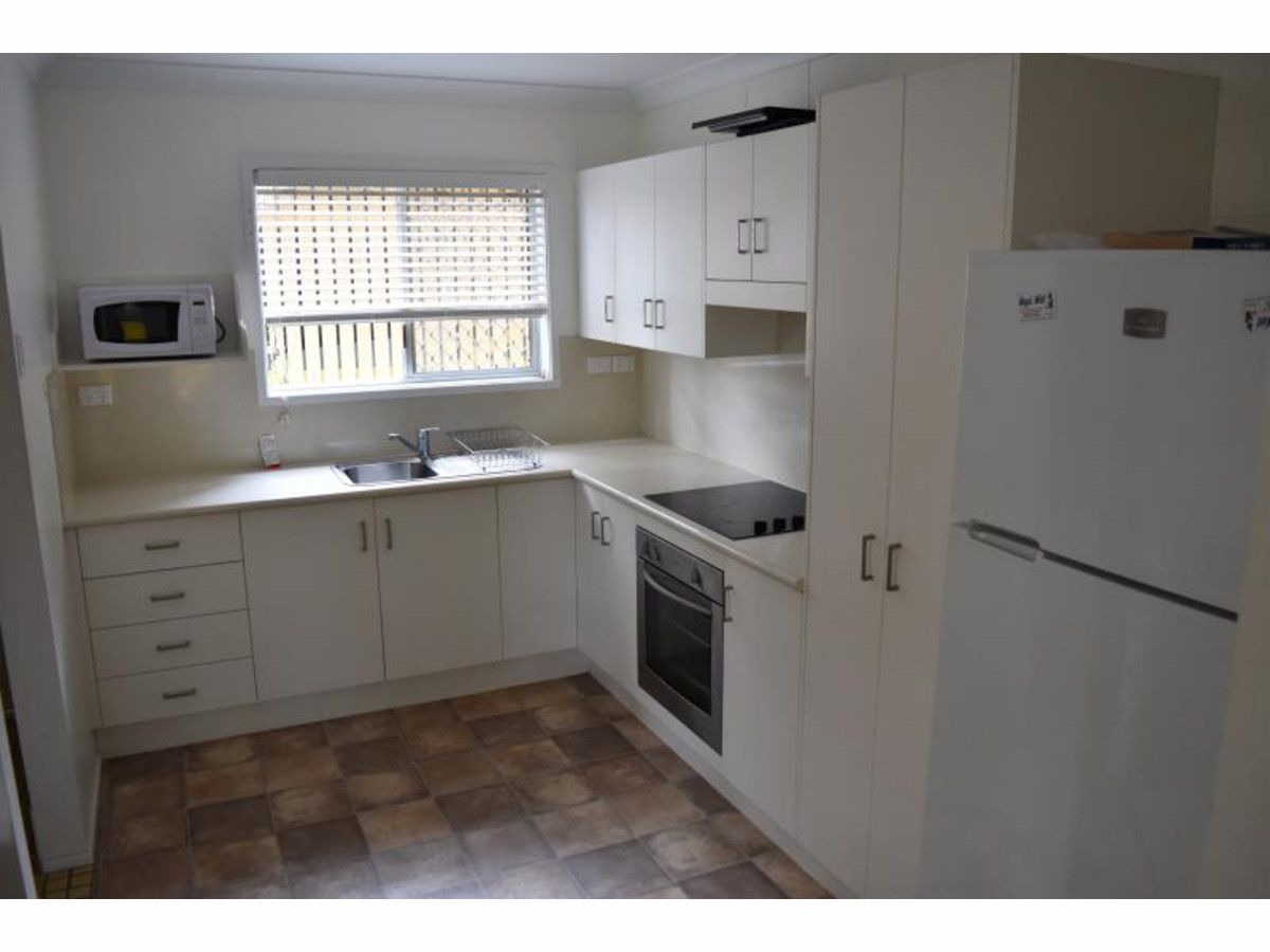1/295 Bloxsom Street, Frenchville QLD 4701, Image 2
