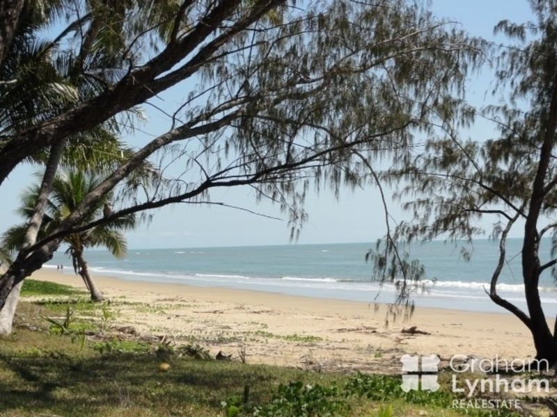 1/17 Coral Street, Saunders Beach QLD 4818, Image 0