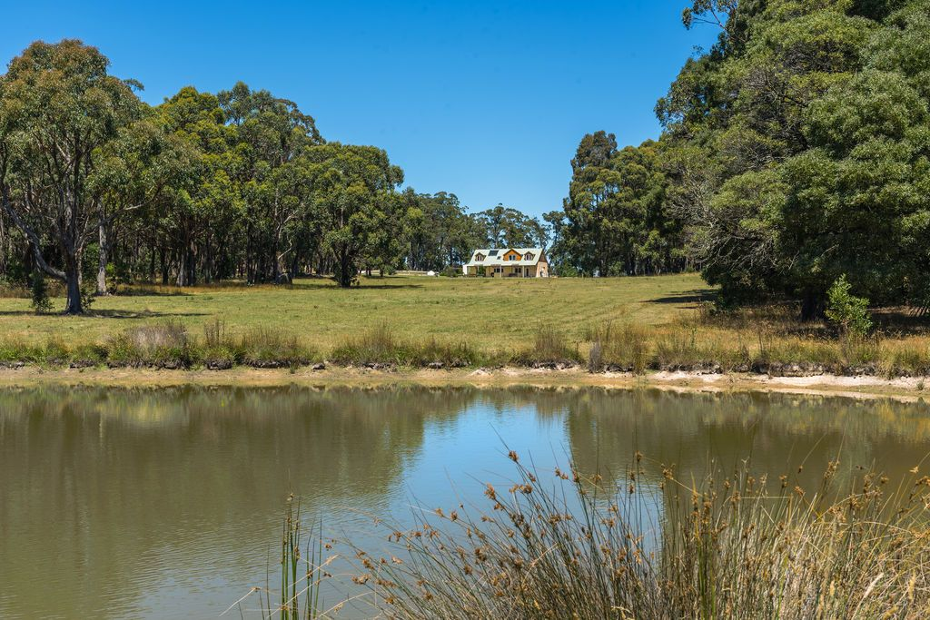 1 Kelletts Track, Ashbourne VIC 3442, Image 2