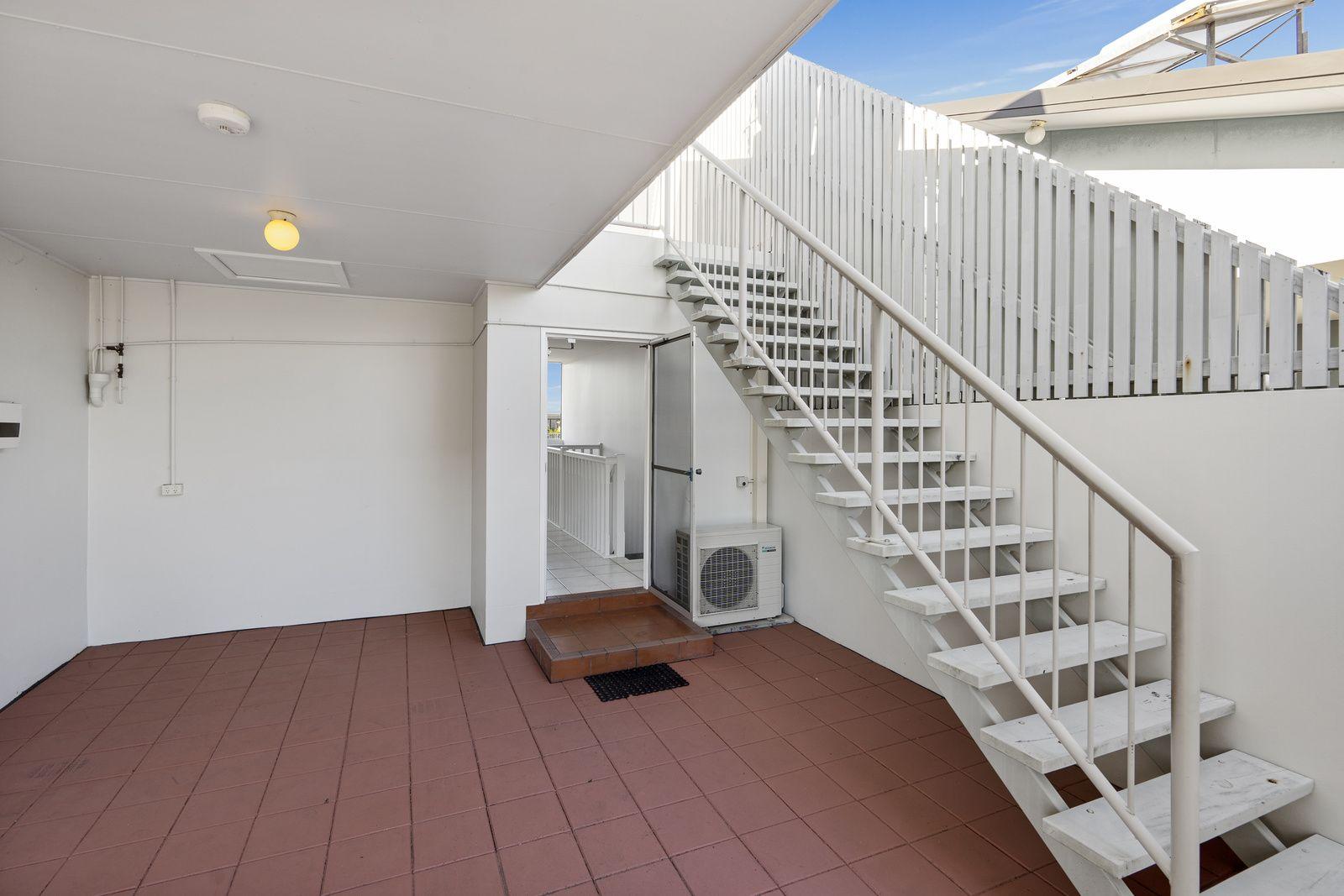 8/89A Bay Terrace, Wynnum QLD 4178, Image 2