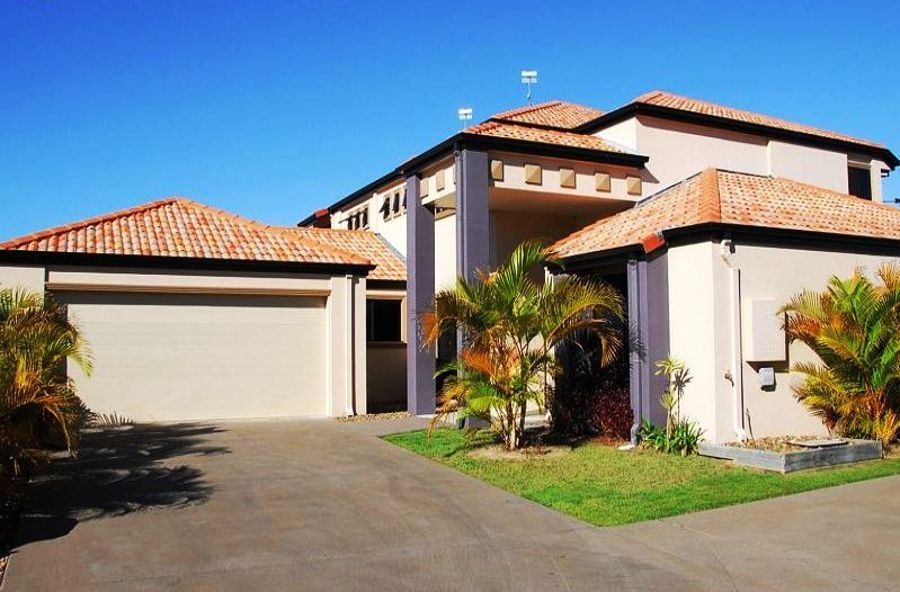 2/2 Barnstaple Street, Torquay QLD 4655, Image 0