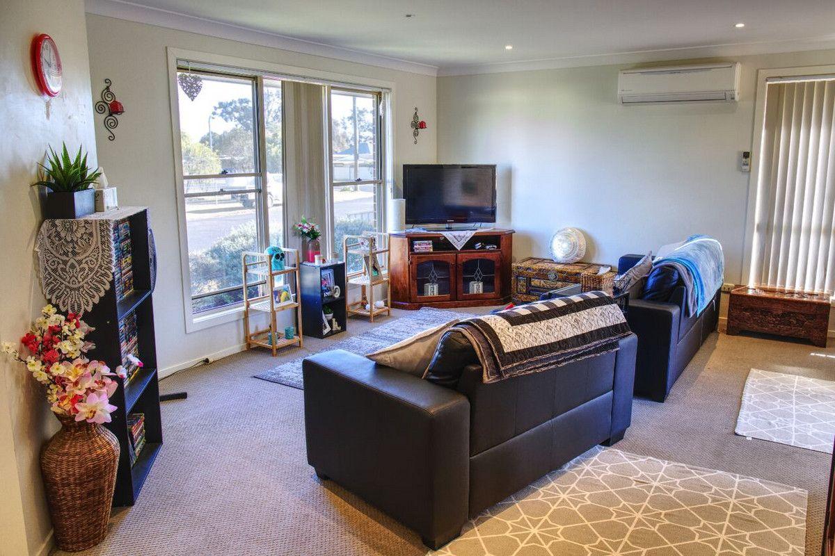 2A Sixth Street, Cessnock NSW 2325, Image 2