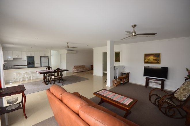 Picture of 14 Griffiths Run, BROULEE NSW 2537