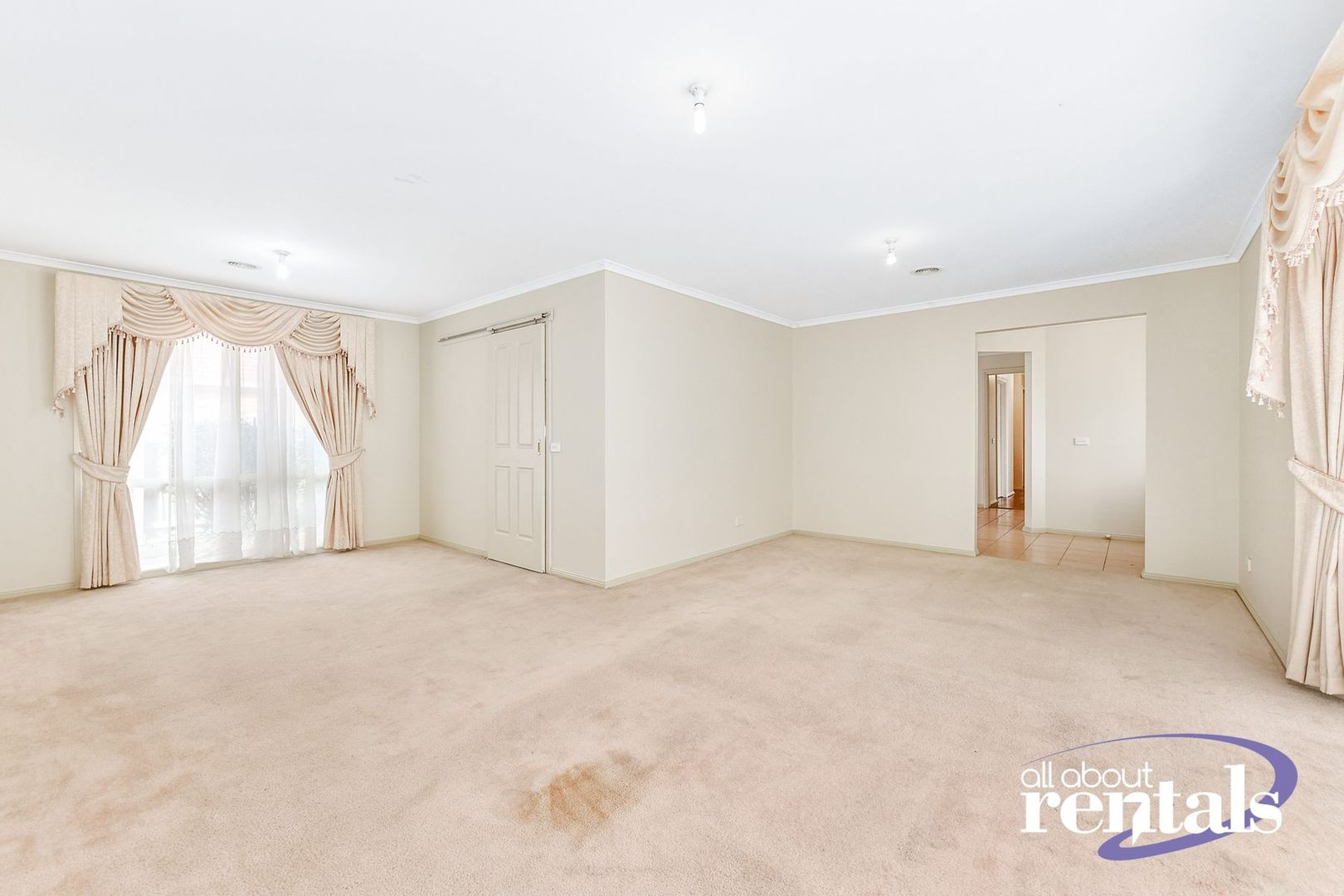 10 Gillian Place, Pakenham VIC 3810, Image 1
