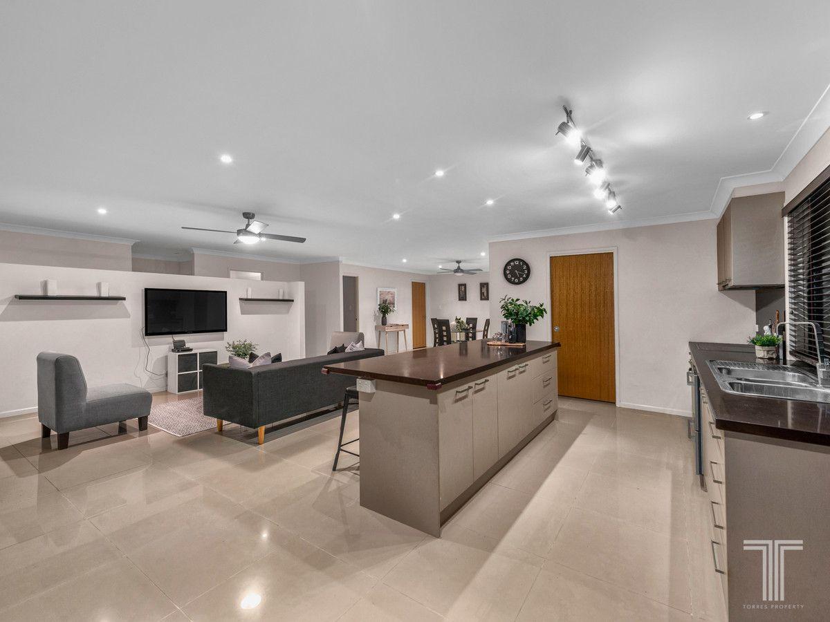 81 Kenilworth Place, Carindale QLD 4152, Image 1