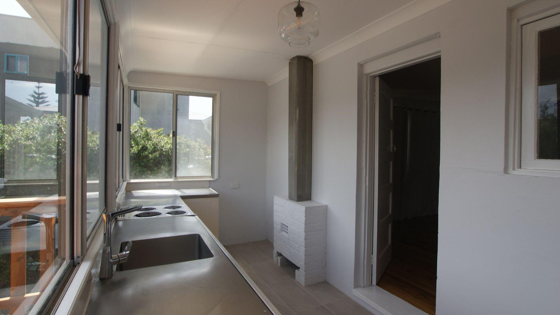 10 Wimbin Avenue, Malua Bay NSW 2536, Image 2