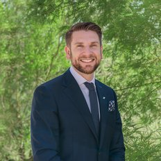 Tom Kurtschenko, Sales representative