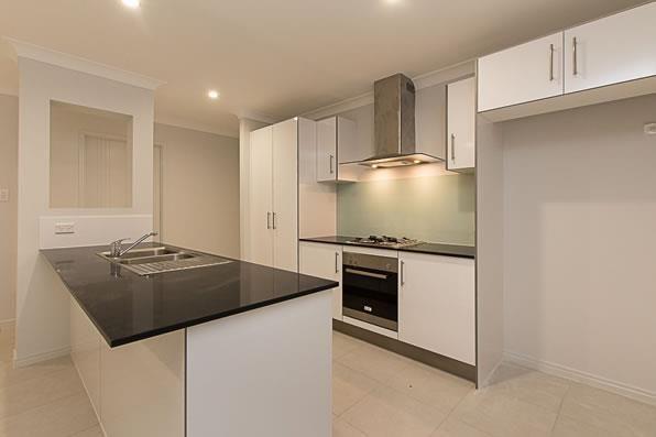 6 Lily Avenue, Coomera QLD 4209, Image 2