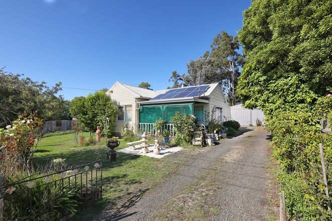 Picture of 18 Anslow St, WOODEND VIC 3442