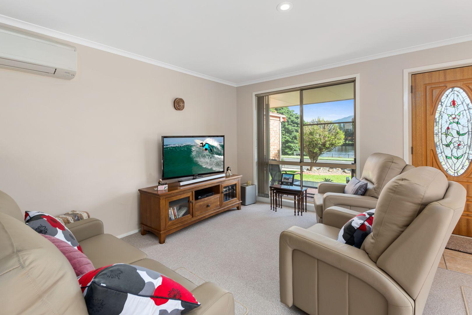40 Stanthorpe Drive, Kanahooka NSW 2530, Image 2