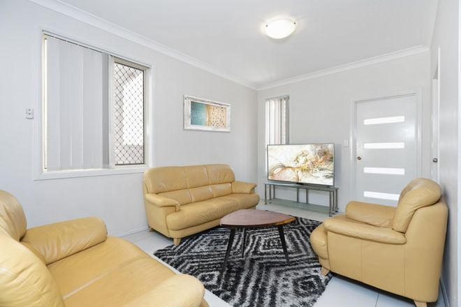 Picture of 2/11 Cattiger Street, RICHLANDS QLD 4077