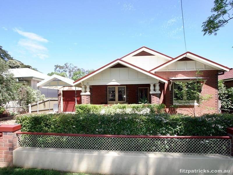 20 Trevor Street, Turvey Park NSW 2650, Image 0
