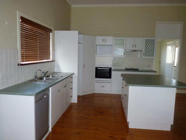 33 Scott Street, St George QLD 4487, Image 2