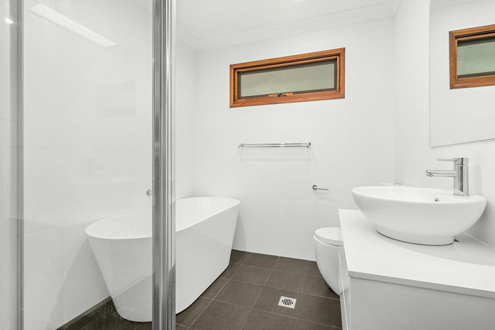 10 Belwarra Avenue, Figtree NSW 2525, Image 1