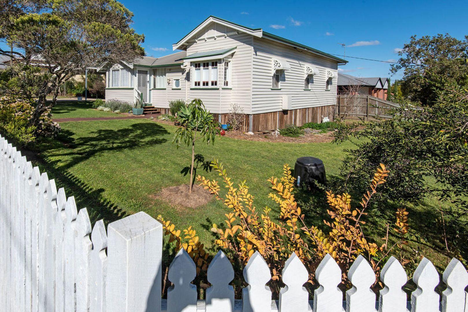 50 Jellicoe Street, Mount Lofty QLD 4350, Image 1