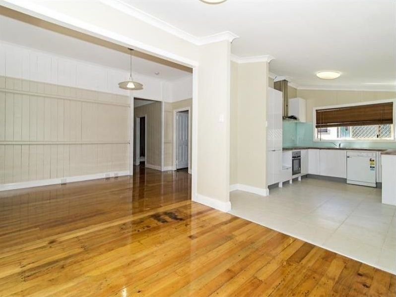 88 Taylor Street, Newtown QLD 4350, Image 2