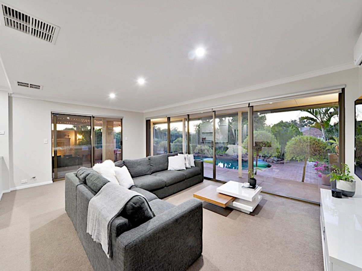 20 Hilltop Rise, Willetton WA 6155, Image 2