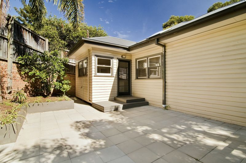 793 Warringah Road, Forestville NSW 2087, Image 2