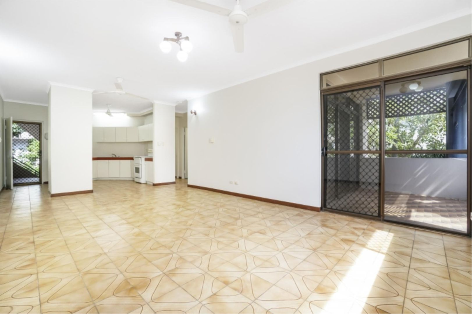 2/46 McLachlan St, Darwin City NT 0800, Image 0